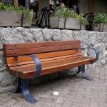 Jak wybrać ławkę do parku?